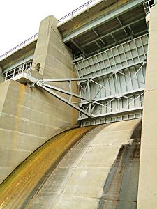 Harlan County Dam